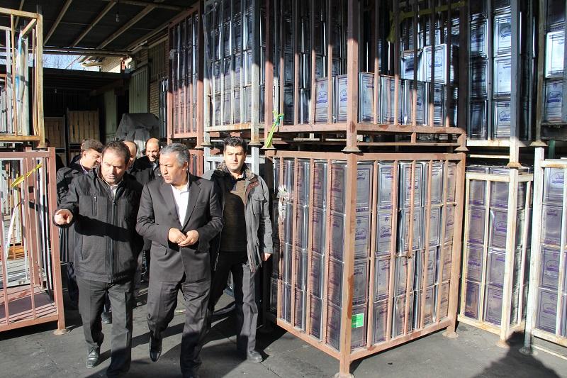 معاون وزیر صنعت از انبارهای ذخیره سازی و پخش کالا در تبریز بازدید کرد